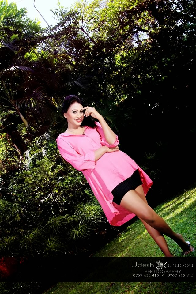 Piumi Hansamali latest hot pink