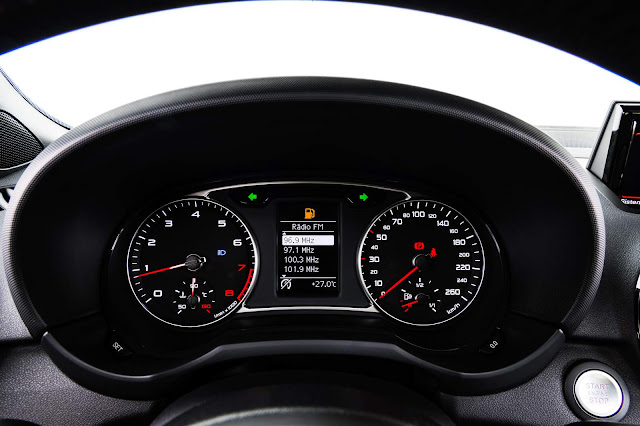Novo Audi A1 2016 - interior - painel