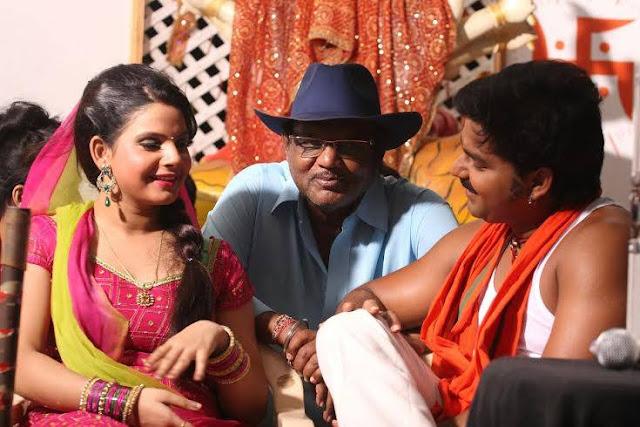 Pawan Singh, Kavya Lagi Nahi Chhute Rama Bhojpuri Film Shooting photo