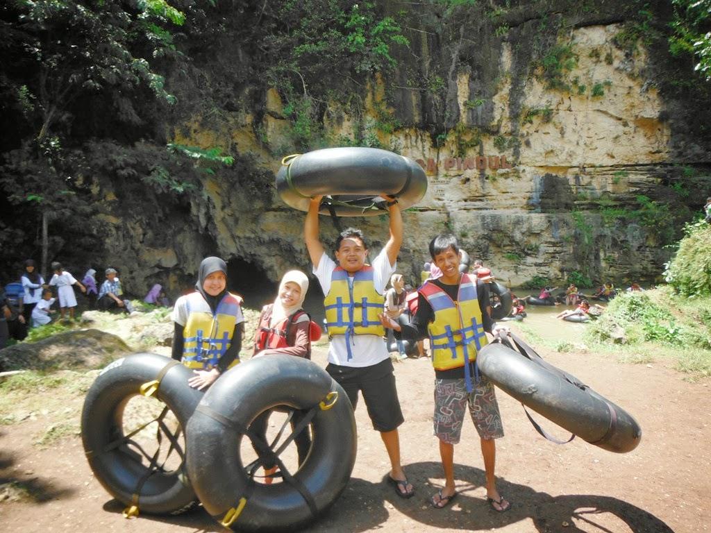 Berpose sebelum Caving di Goa Pindul