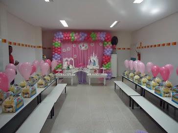 Festa Prática na escola com decoração