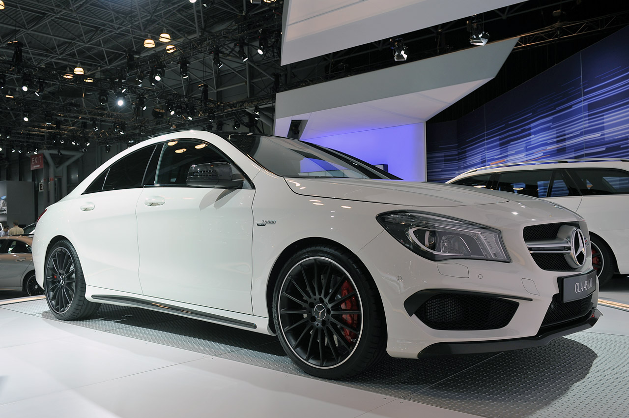 Automotiveblogz 2014 mercedes benz cla45 amg new york for Mercedes benz nyc