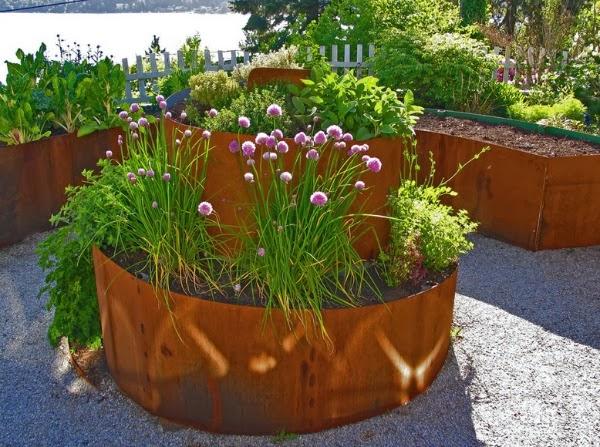 terraza por ltimo pero no menos importante hay que pensar en el sistema de riego no es lo mismo tener un pequeo jardindito con cuatro o cinco plantas en