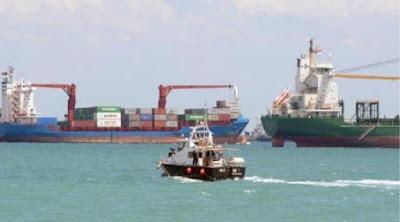 Rumah Seorang Warga Kubu Raya Kalimantan Barat Ditabrak Kapal Tanker