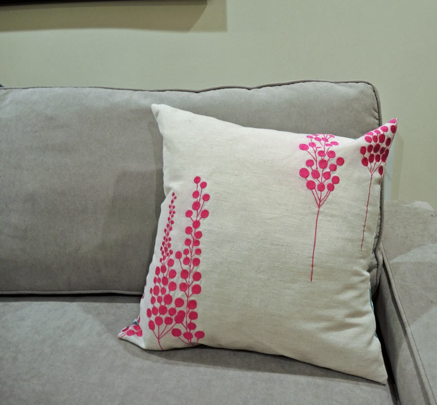 How To Make Throw Pillow With Zipper : traceytoole: How to make: Throw pillow with zipper closure