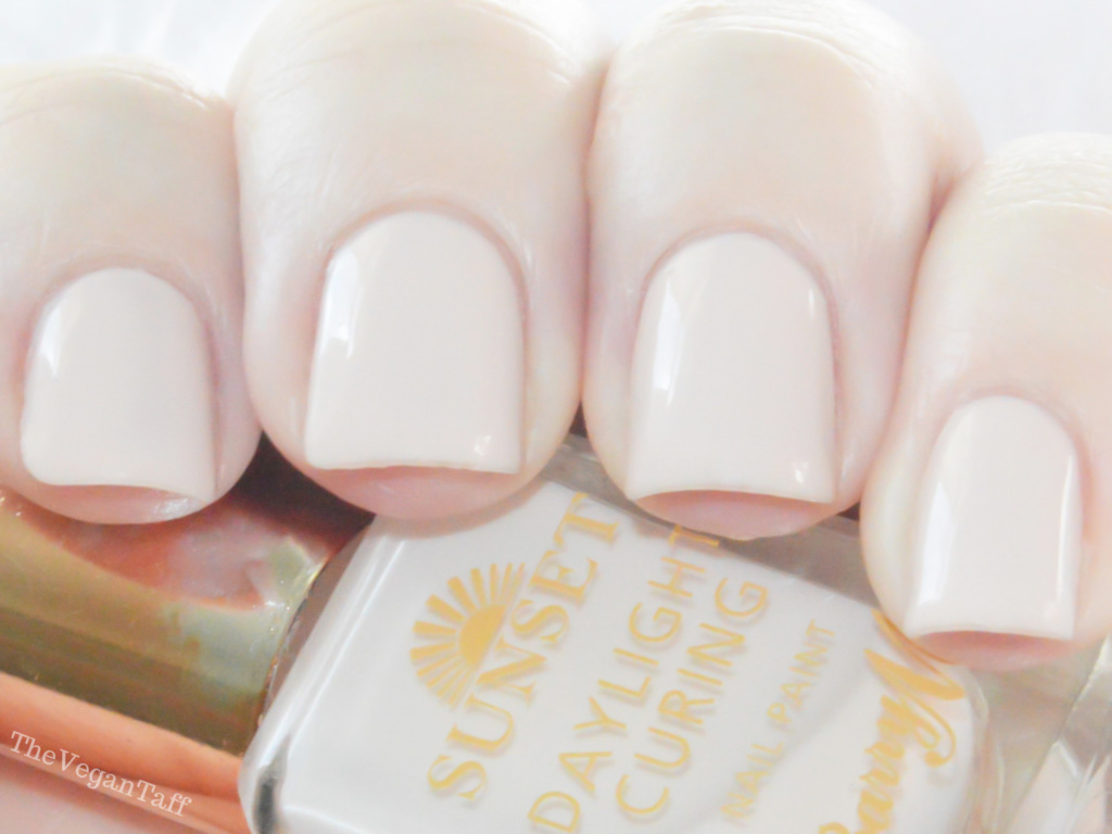 Manicure Monday | Barry M Daylight Curing - Do It Like A Nude | The ...
