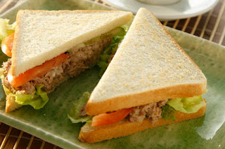 Tuna Fish Sandwich Ingredients, How to Make Tuna Fish Sandwich