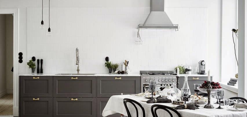 Decoraci n f cil ultimas tendencias en cocina mobiliario gris y encimera de m rmol blanco - Encimera marmol cocina ...