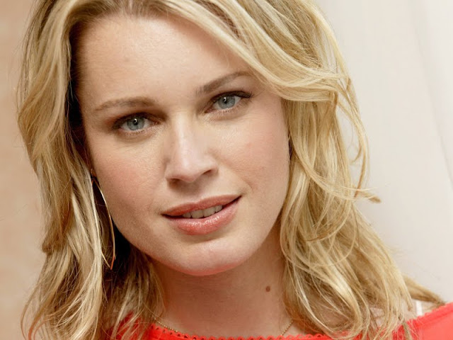 Photo Gallery » American Supermodel Rebecca Romijn