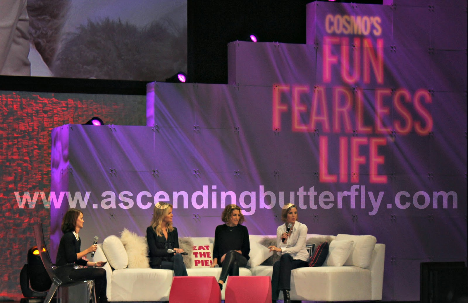 From Left to Right : Leslie Yazel (Moderator), Sallie Krawcheck, Julie Greenwald, Megyn Kelly