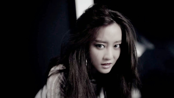 Rainbow Woori Black Swan