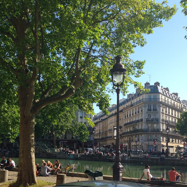 Canal side picnic, Paris
