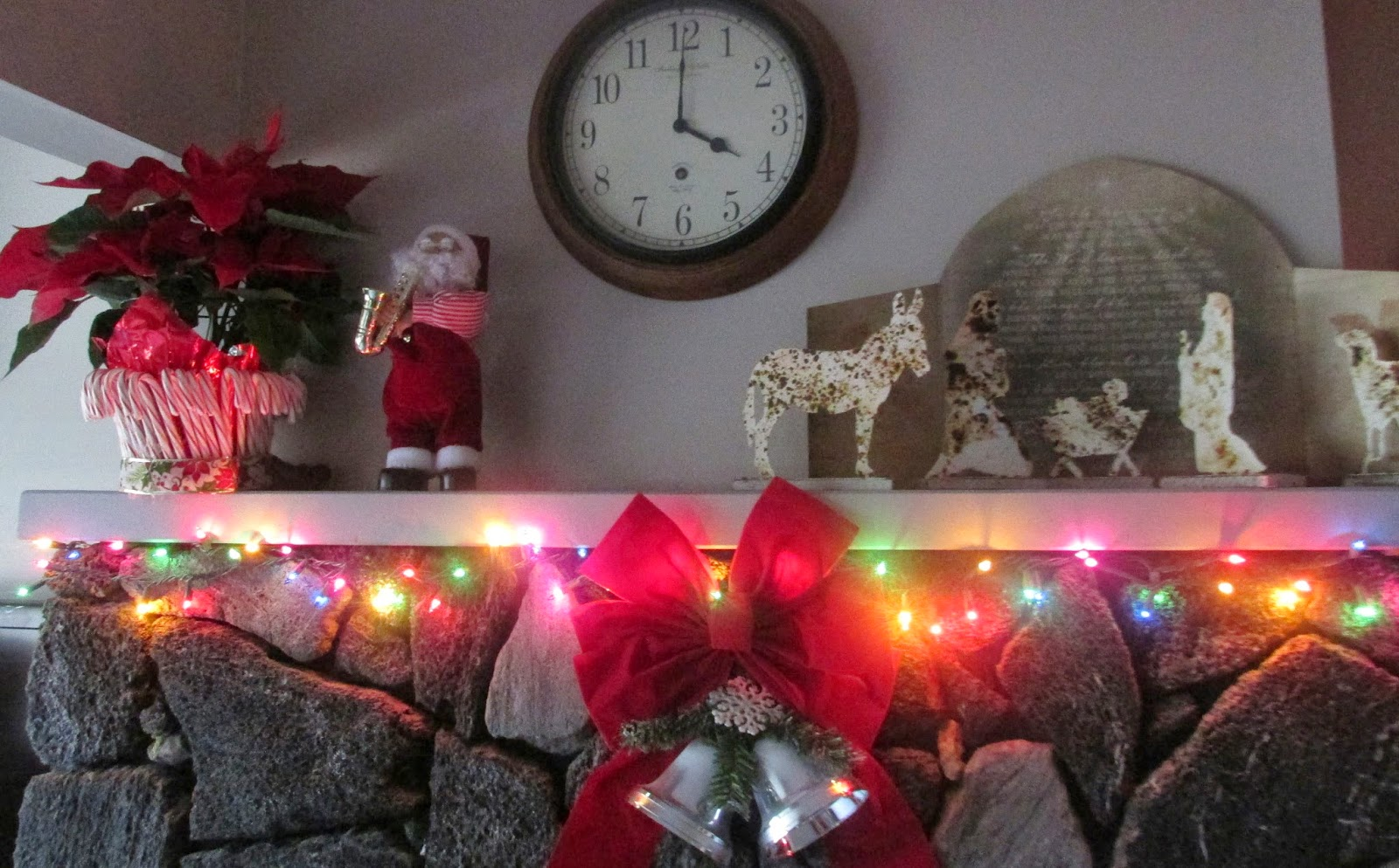 Decorations on the Mantle