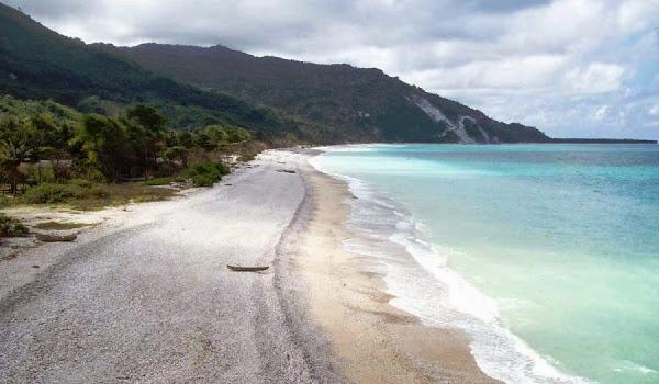Pantai Kolbano, Nusa Tenggara Timur (Gambar 1). ZonaAero