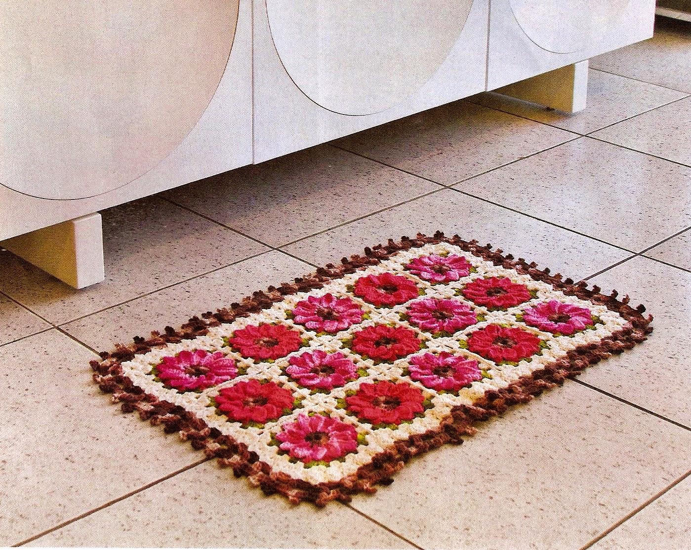 Tapete em crochê com motivos florais