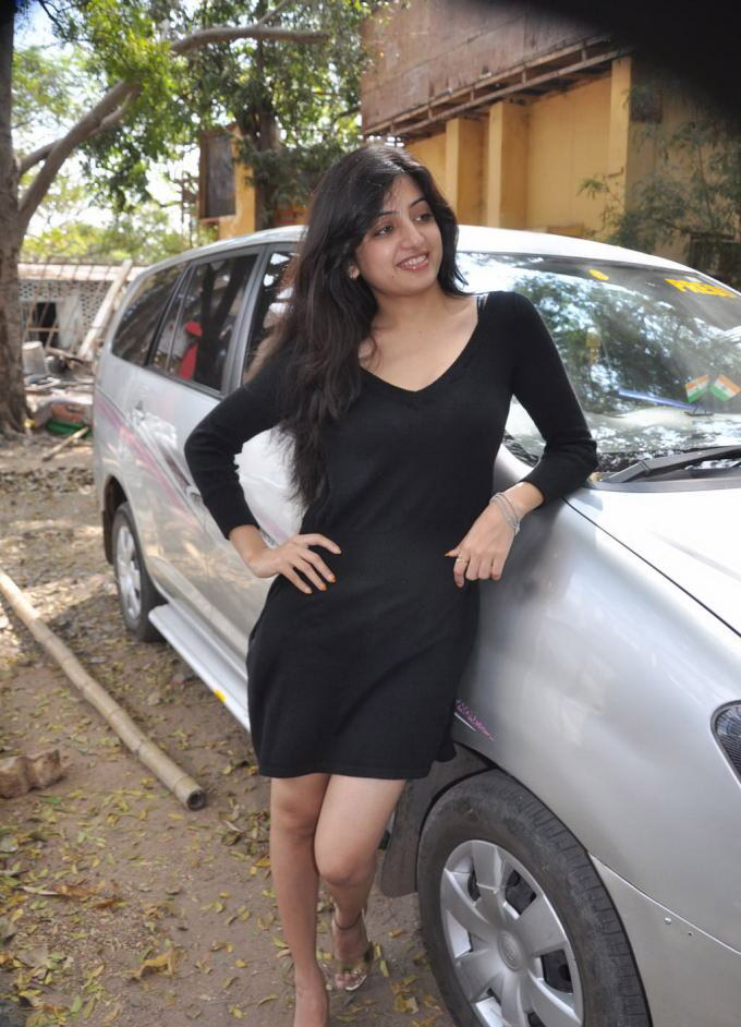 Poonam Kaur Latest Hot Pics