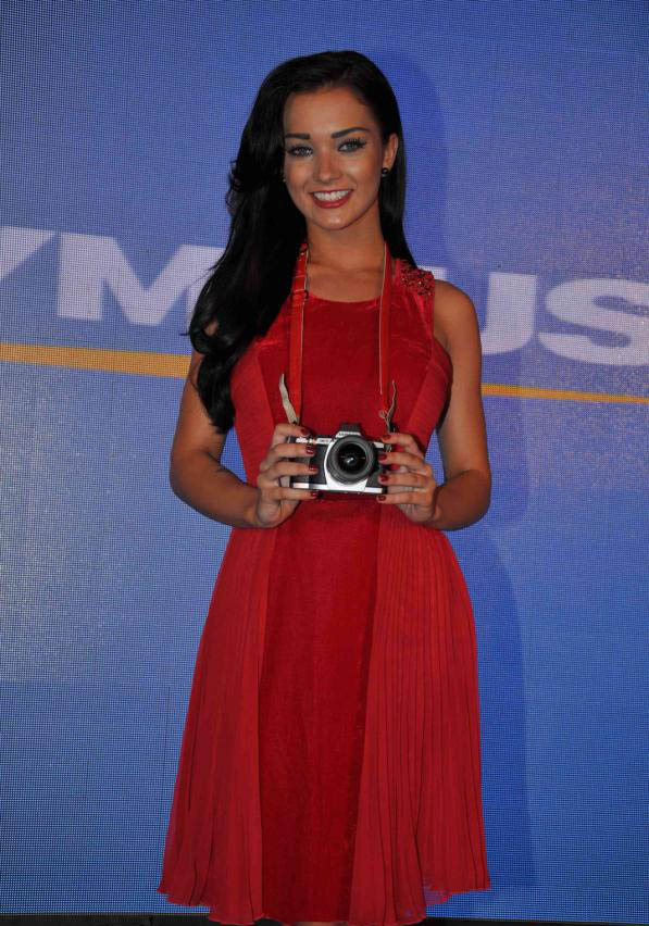 amy jackson launch olympus camera glamour  images