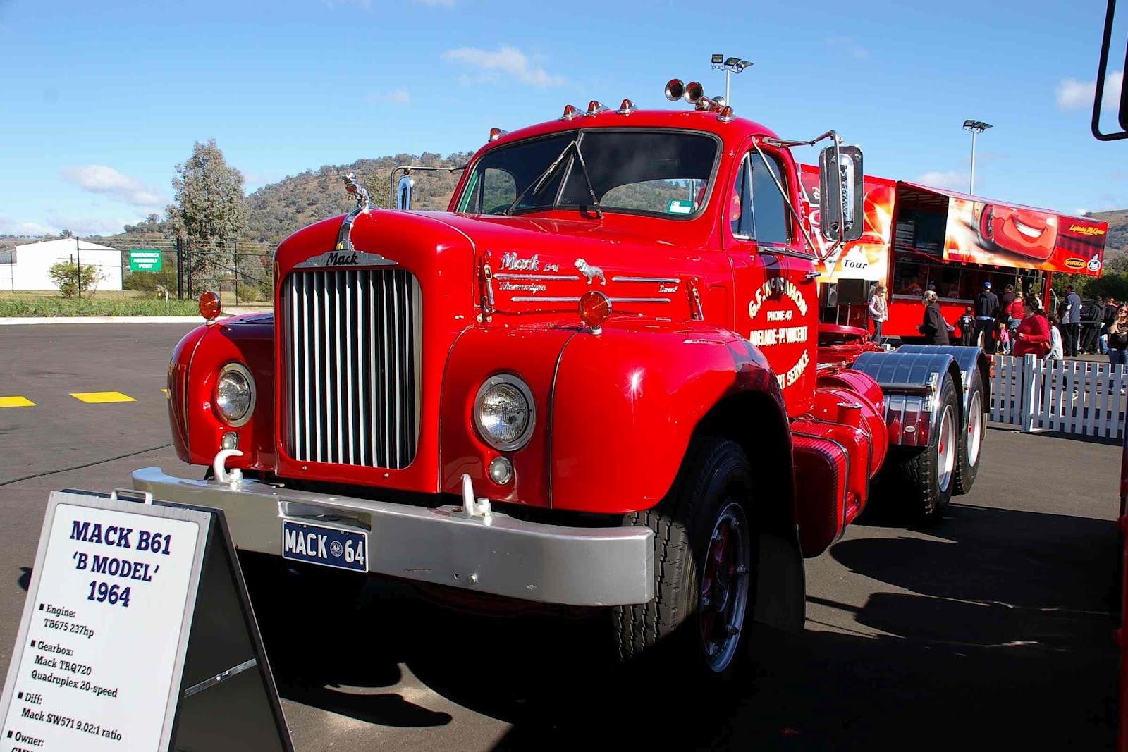 1964 Mack B Model : Historic trucks opening of cmv albury wodonga may