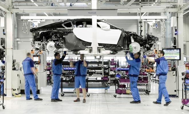 BMW i8 assembly