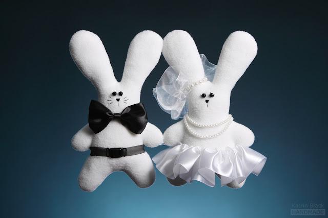 Свадебные зайчики - мягкая игрушка из флиса ручной работы
