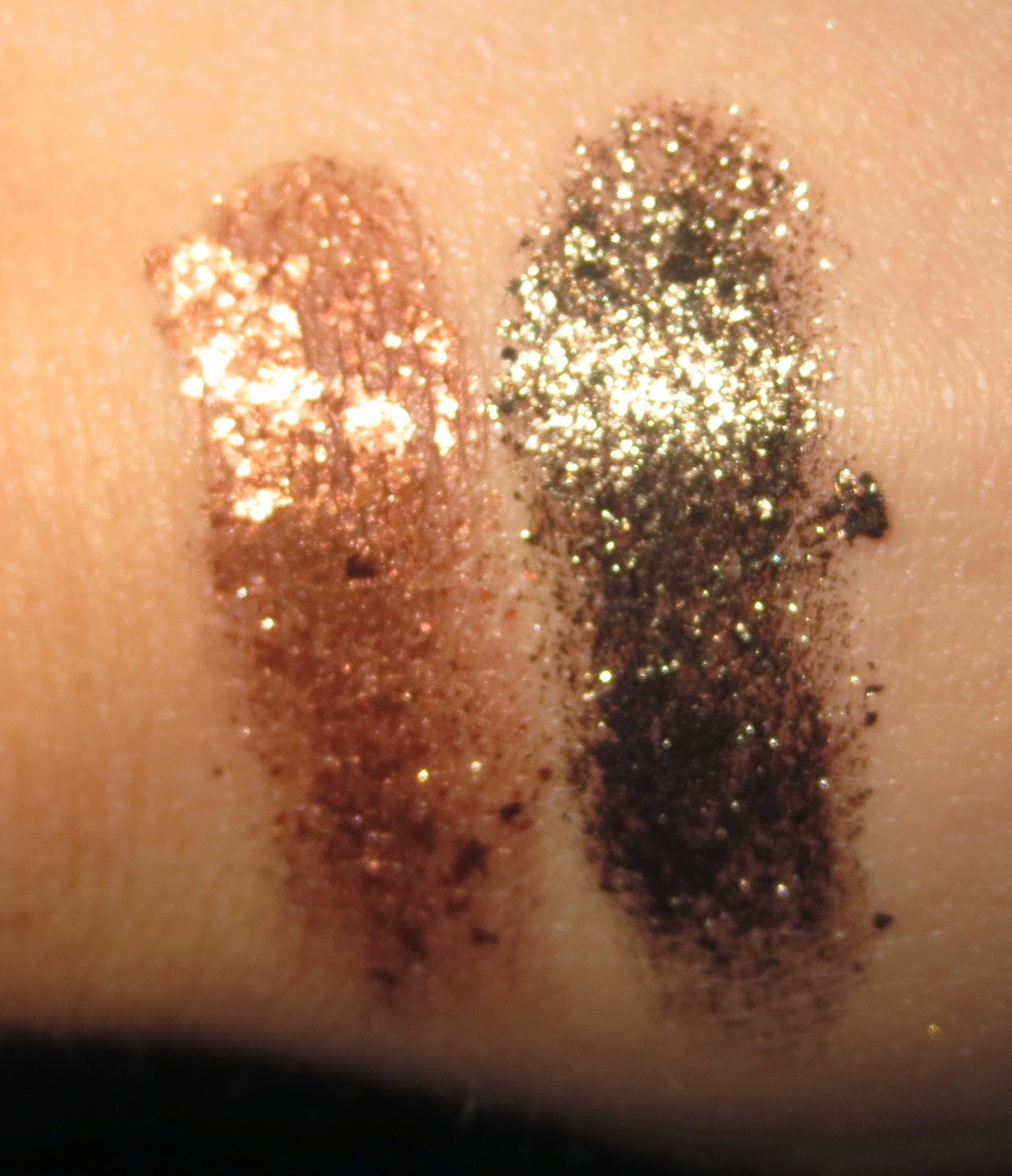 Stila Magnificent Metals Foil Finish Eye Shadow - Vintage Black Gold & Comex Copper swatches