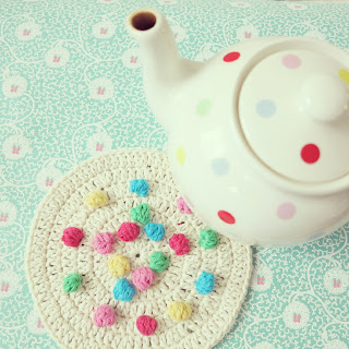 ByHaafner, dots, crochet, bobble stitch, hot pad, Cath Kidston teapot, white & colours