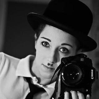 Autoportret - Charlie Chaplin z canonem. fot. Kasia Piechowicz, Ruda Śląska.