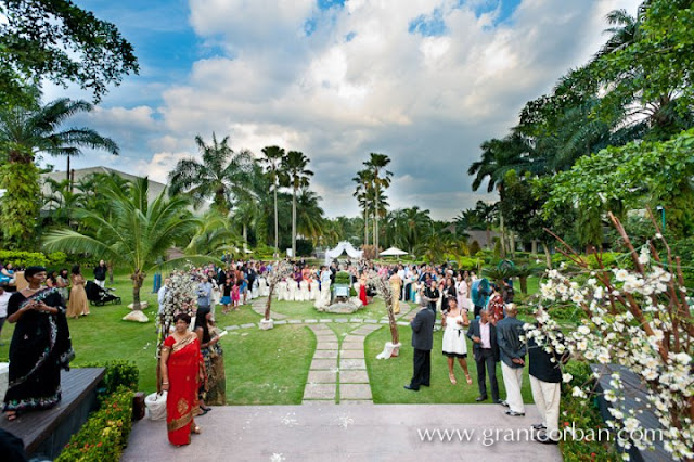 perfect garden wedding ceremony