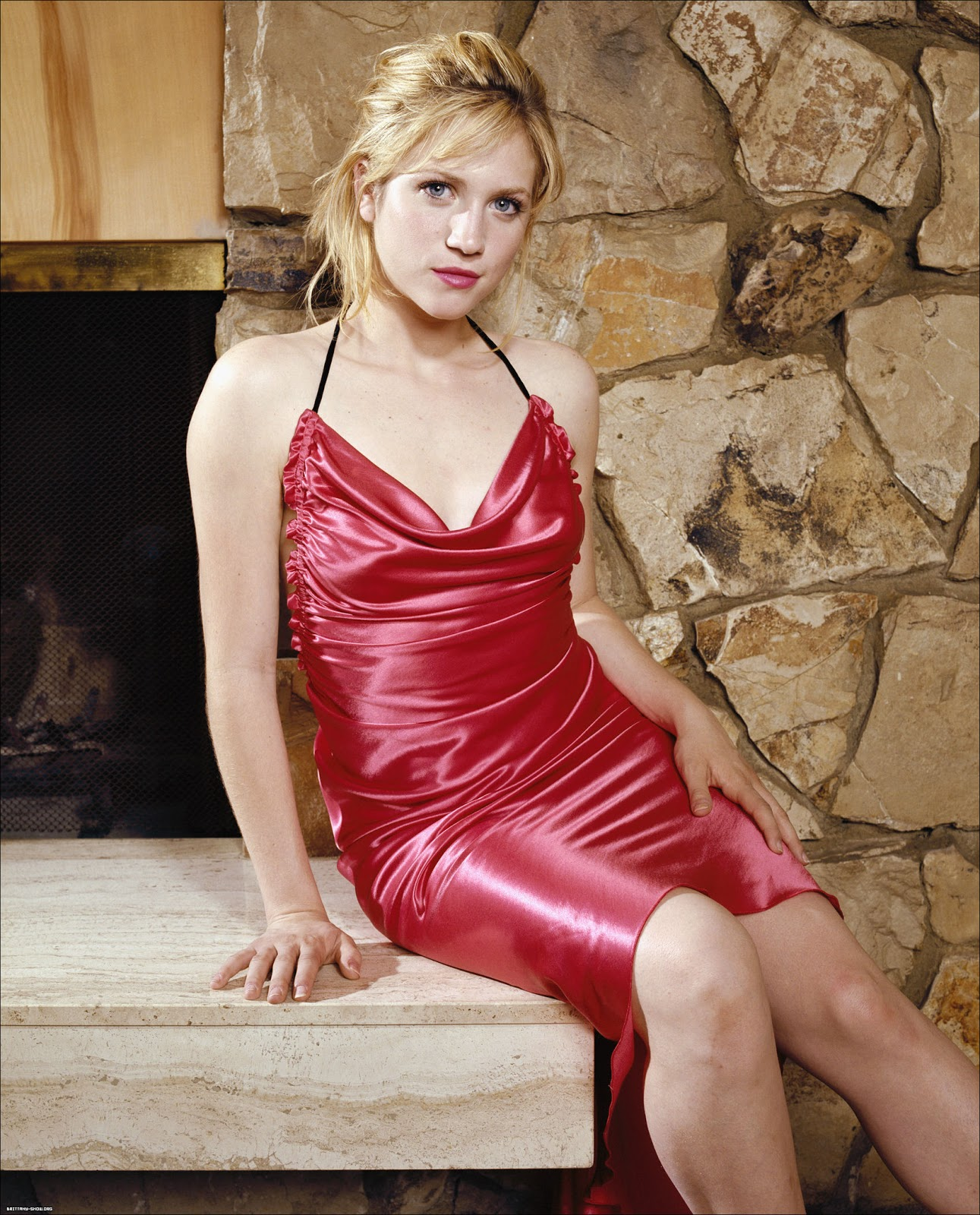 http://4.bp.blogspot.com/-yUrGw8qsIEE/Tv8w3VlYBZI/AAAAAAAAGJw/NwsyRcDniCE/s1600/brittany-snow-red-hot-2012-pictures.jpg