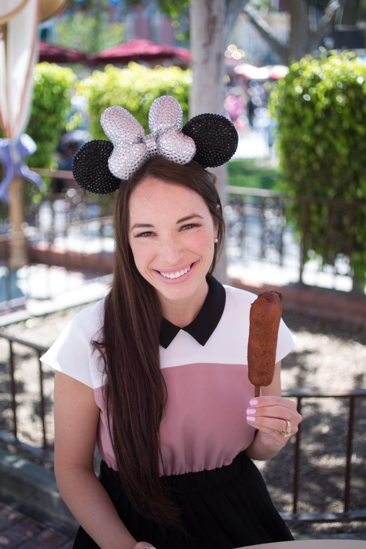 Disneyland Food Blog: Corn Dog Castle
