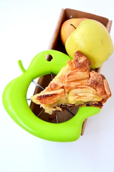 torta di mele senza uova e latte con mandorle