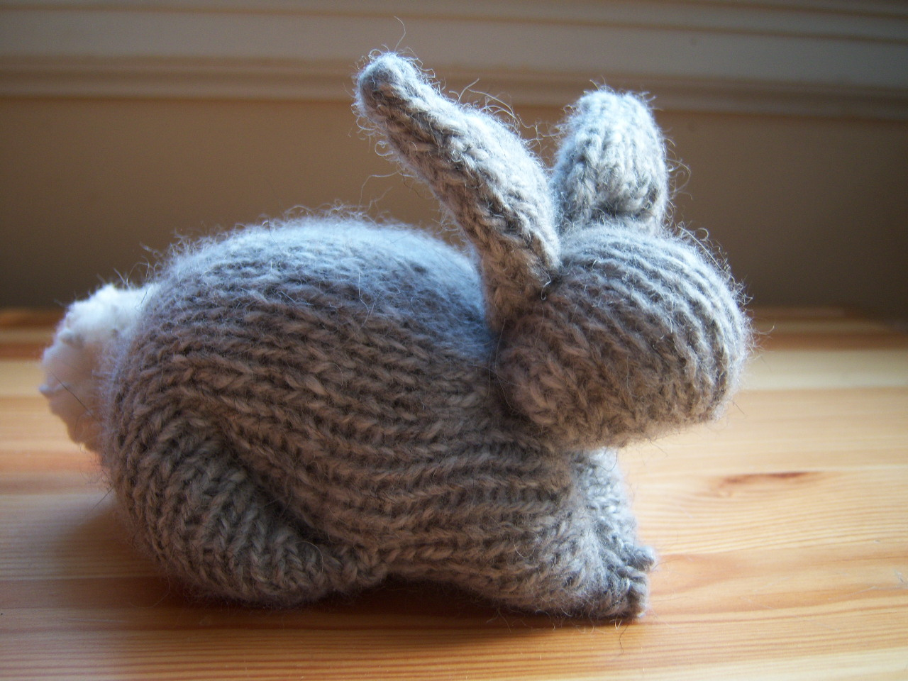 the perfect bunny The bunny is the perfect touch :) - this would be great with the orange choc covered strawberries easter ~ a charming bunny offers chocolate covered strawberries.