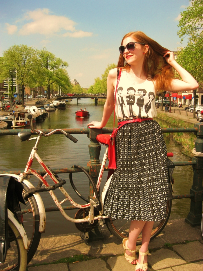 Fashion Blogger Outfit Vintage skirt Camden Beatles