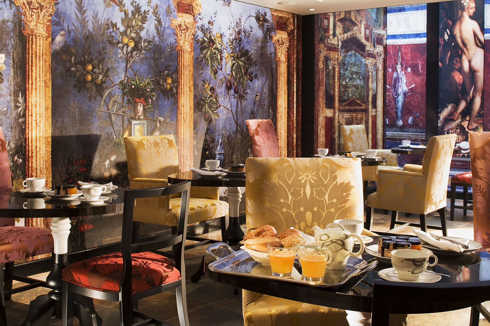 Mille feuille hotel bellechasse by christian lacroix Hotel christian lacroix
