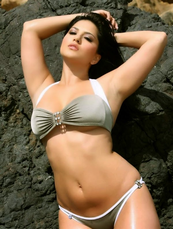 Sunny Leone Hot Actress Sexy Wallpapers