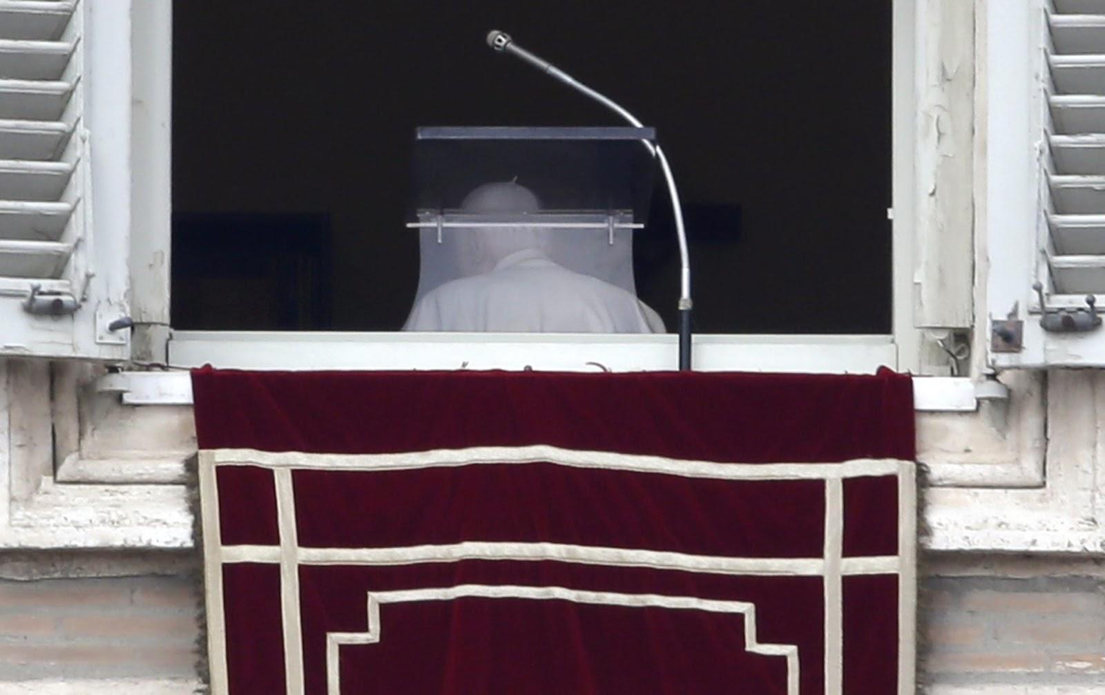 Quella finestra vuota alla fine dell ultimo angelus le voci i volti le emozioni e le - Finestra del papa ...