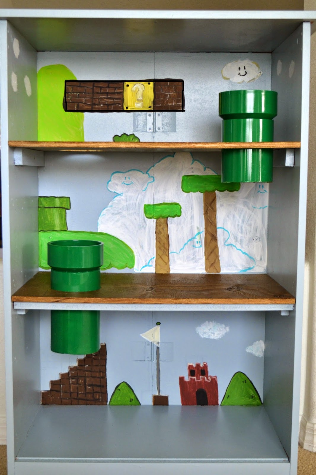 It 39 s a mom 39 s world dresser turned mario playhouse for Muebles mario pinofranqueado