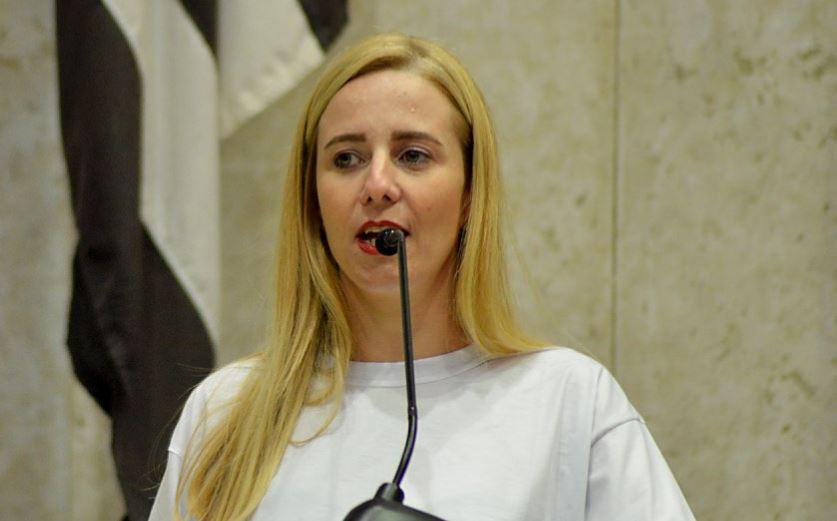 Profª Dra. Regiane Souza Neves recebe título de Professora Honorária da União Acadêmica de Oxford