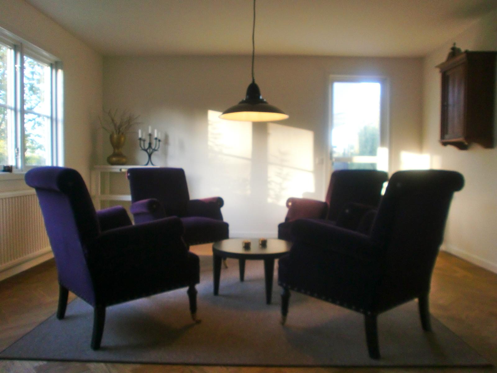 Hus inspiration inredning: lila i vardagsrummet