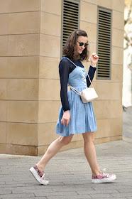 denim dress streetstyle