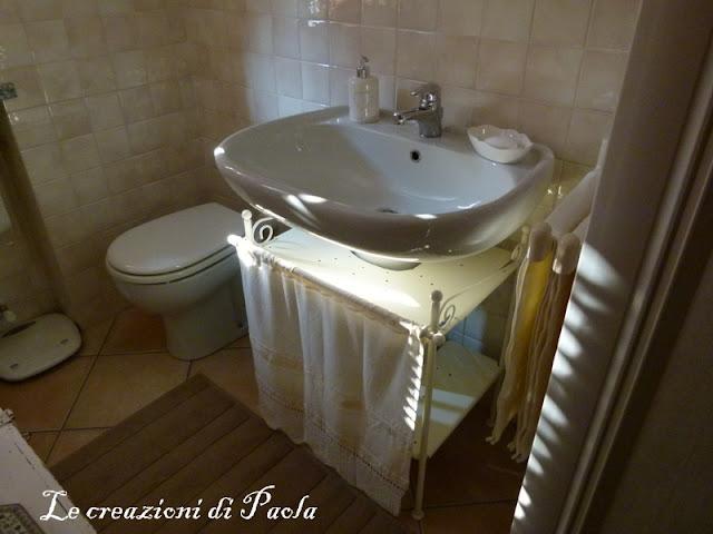 Le creazioni di paola operazione rinnovamento il mio - Tendine per il bagno ...