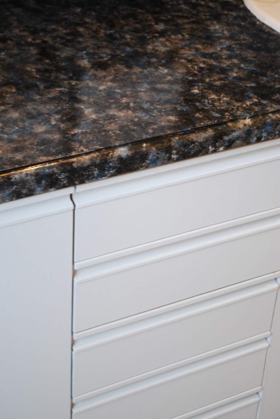 Kara\'s Korner: Tutorial : How to Paint Bathroom Countertops to Look ...