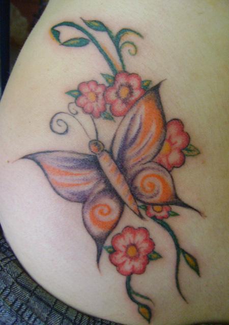 TATUAGENS DE BORBOLETAS DELICADAS E SENSUAIS  - Fotos De Tatuagens Flores E Borboletas