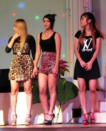 Cute Burmese Show Girls