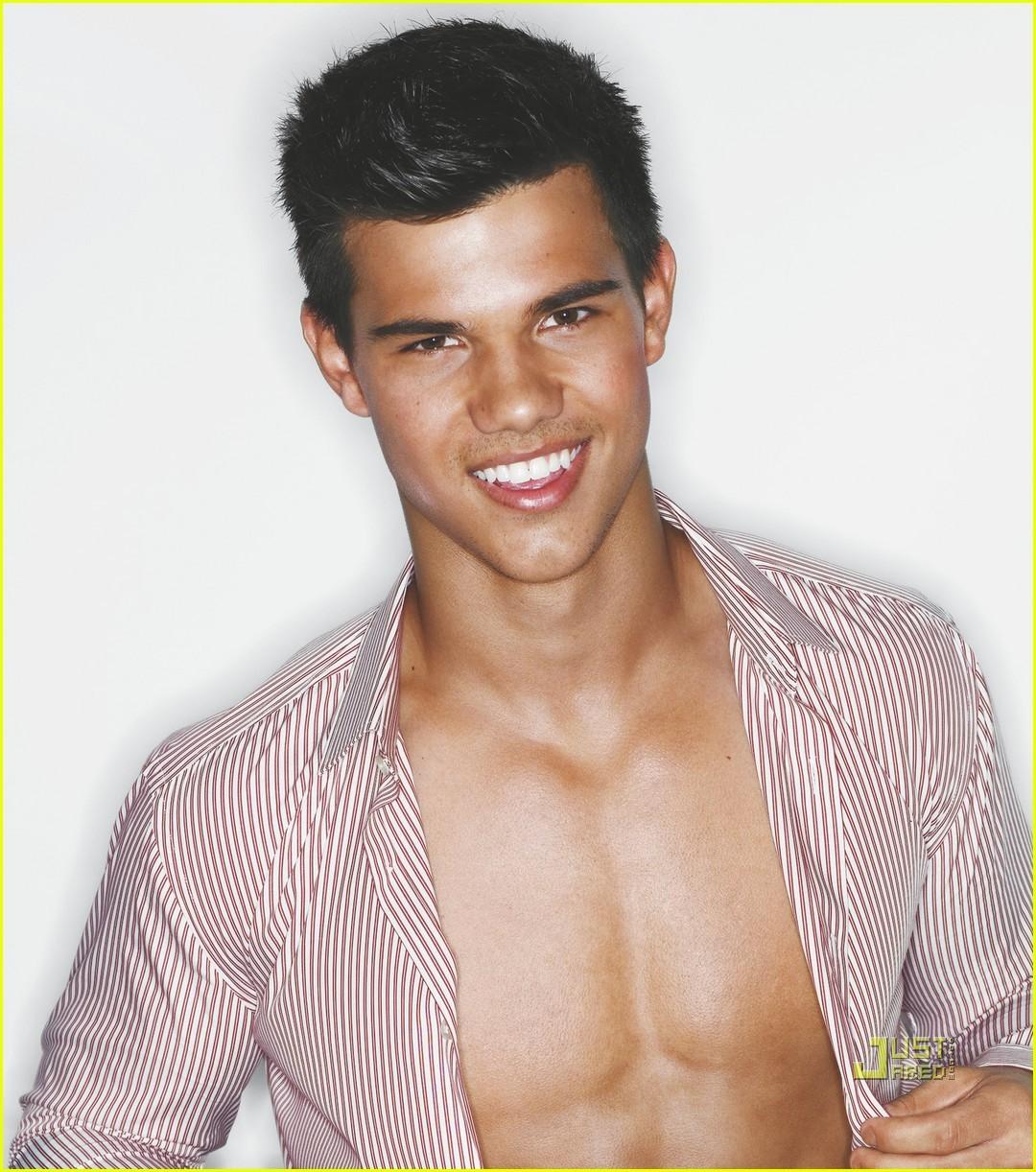 Taylor Lautner hoy cumple 21 años ~ cotibluemos