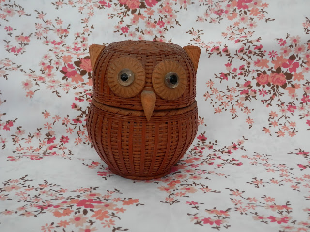Wicker Owl basket.  Charity shop haul.  secondhandsusie.blogspot.co.uk
