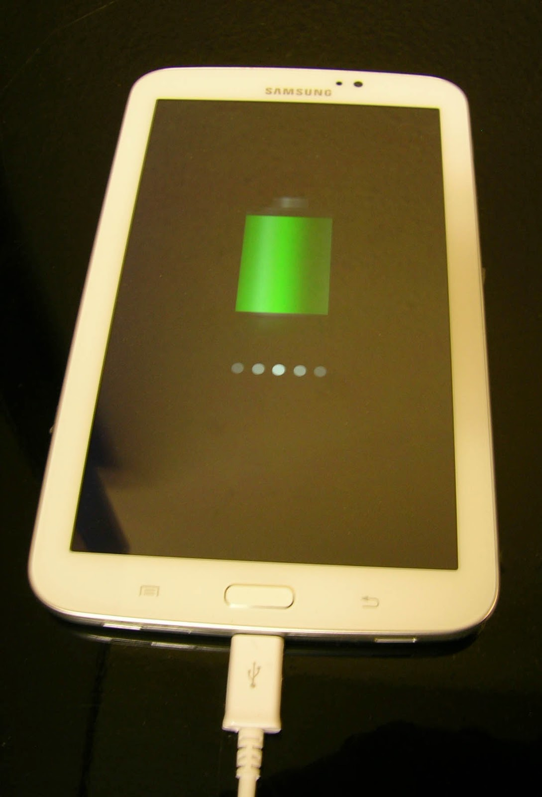 Outside of the bubble charging problem samsung galaxy tab 3 battery symbol should appear on the screen theres no mention of this in the start up guide so thats why im posting this it should look like this buycottarizona Images