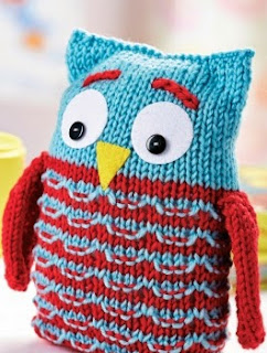 http://www.letsknit.co.uk/free-knitting-patterns/knitted-owl-toy