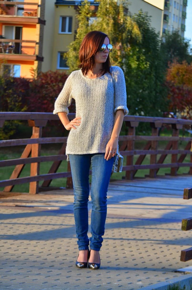 `Klasyczne szpilki&szary sweter♥