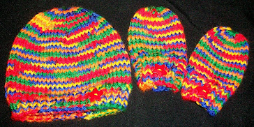 Seamless hat and mittens